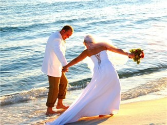 Hope Town weddings. Getting married in the Bahamas is easy and fun. Have a memorable wedding and honeymoon.  Everyone loves an island wedding.