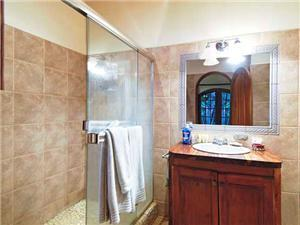 Full bathrooms in both bedrooms w/ large showers!