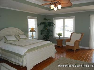 Master Suite upstairs with Queen-size bed