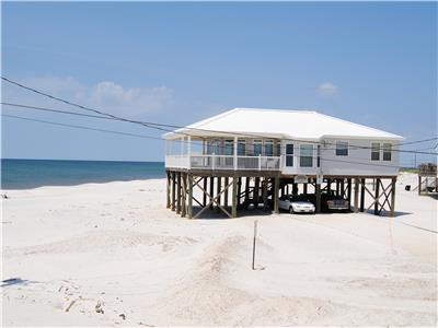 3 Bedroom Gulf-front Beach House with great views!