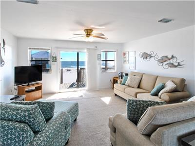 Comfortable Living Room with Gulf views
