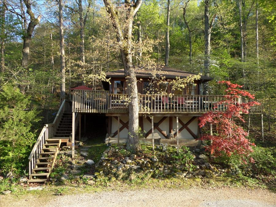 Bon Lake Front House In Eureka Springs (Cedar) With Patio Furniture, Queen Bed