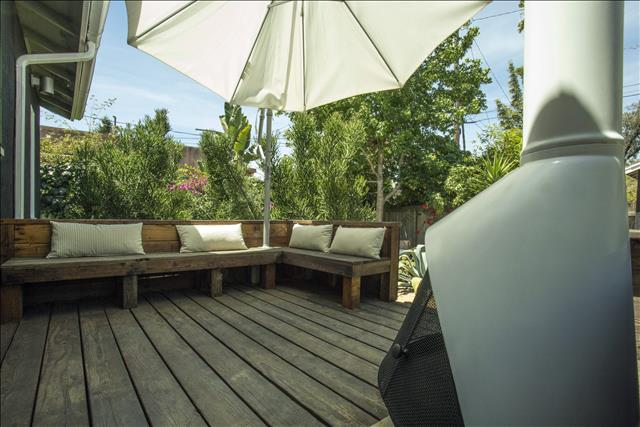 Amoroso Retreat - Romantic walk-street home with large garden. Between Abbot Kinney and Lincoln Bl