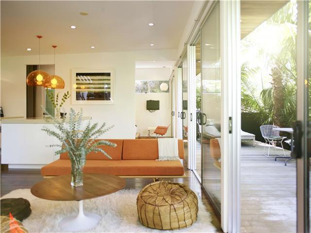 Palms Place - carbon-free luxury living. 100% Solar. Walk to bars and Restaurants.
