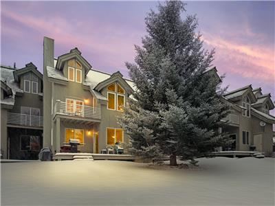 Powder Valley Town Home - close to Grand Targhee!