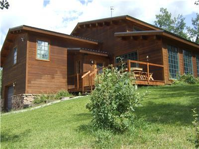 Windigo Lodge 2 BR sleeps 8, base of Teton Pass!