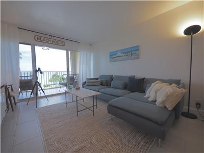 Direct Ocean view and Beach Access - 2 BR Condo