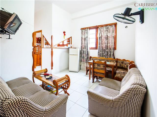 Caribbean Casas' Apartment Laza for 4 guests. a short walk to Havana Vieja!