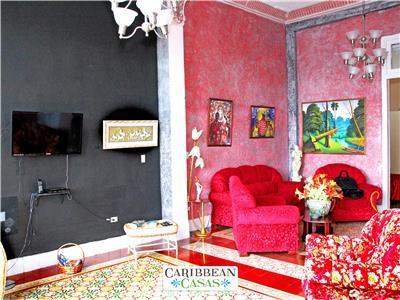 Casa La Dominica for 12 guests in central Havana!
