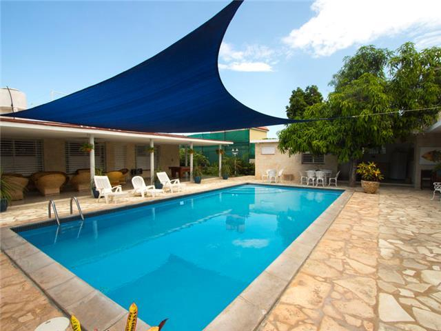 Caribbean Casas' Casa Rico with a private pool, 200m to the sea!