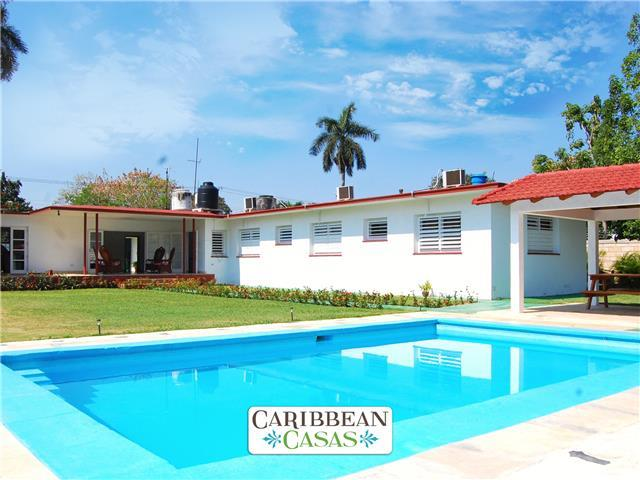 Caribbean Casas' Villa Paradiso, only 1km to the beach!