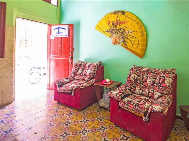 Casa Ovada for 9 guests, a short walk to Havana Vieja, with Caribbean Casas
