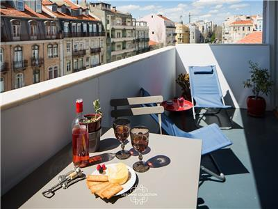 Ap45 - Charming & cosy apartment with large balcony in city center 2 min from metro and tram 28