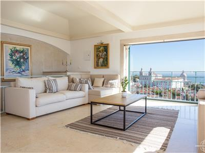 Ap1 - Amazing penthouse with terrace and panoramic view - Castle district