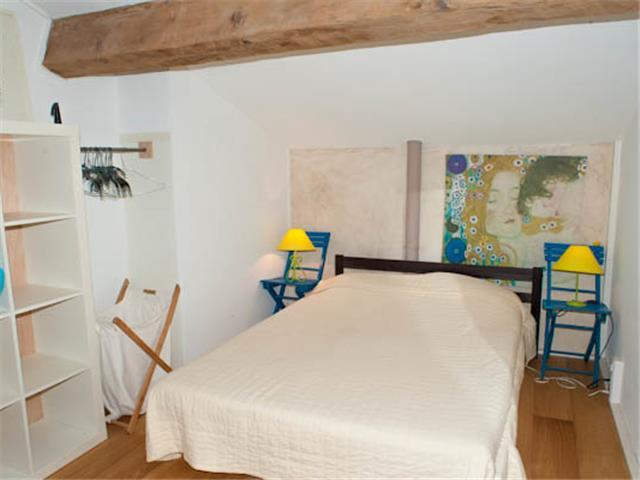 Two bedroom Duplex in the center of Porquerolles