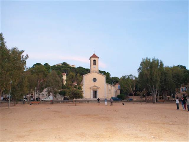 The Porquerolles church place