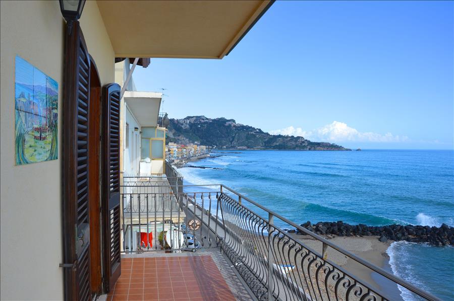 Holiday apartment Casa Camelia - Apartment in front of the beach in Giardini Naxos (1976978), Giardini Naxos, Messina, Sicily, Italy, picture 4