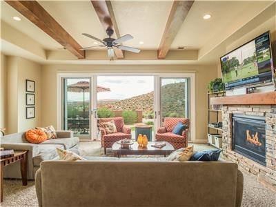 Sun-E-Scape - Breath Taking Views of The Coral Canyon Golf Course!