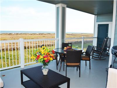 Beachfront!! Book Now For Vacation Fun at Beach Potato!