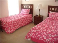 Twin bedroom with two twin beds