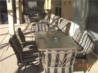 Covered patio with lots of seating for enjoying outdoor meals or a poolside drink. Ahhhh...