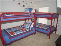 Bunk Bedroom with four twin size beds