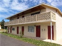 Daytona Beach Bungalow / Identical unit next door. If you need two places, let us know!