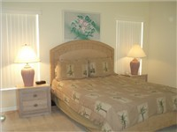Queen Master Bedroom with ensuite bathroom