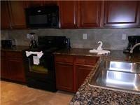 Kitchen w/granite counters