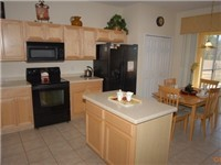 Large spacious and fully equipped kitchen