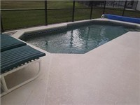 Large sparkling pool and plenty of loungers for enjoying the Florida sunshine.