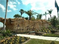 Terra Verde is located on Poinciana Boulevard, a short drive south of the US192, which is famous for being close to Walt Disney World Resort. There is no shortage of restaurants and dining attractions