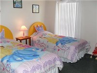 Twin Bedroom / Adult size twins