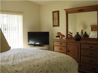 Queen Bedroom / second view