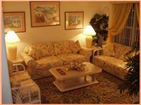Living room area, for nice quiet talks and planning for your next day.