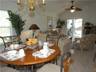 Lovely and spacious living and dinning area.