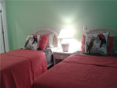Twin beds - downstairs