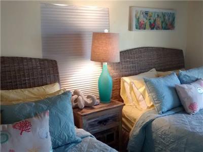 Bedroom with 2 queen size beds