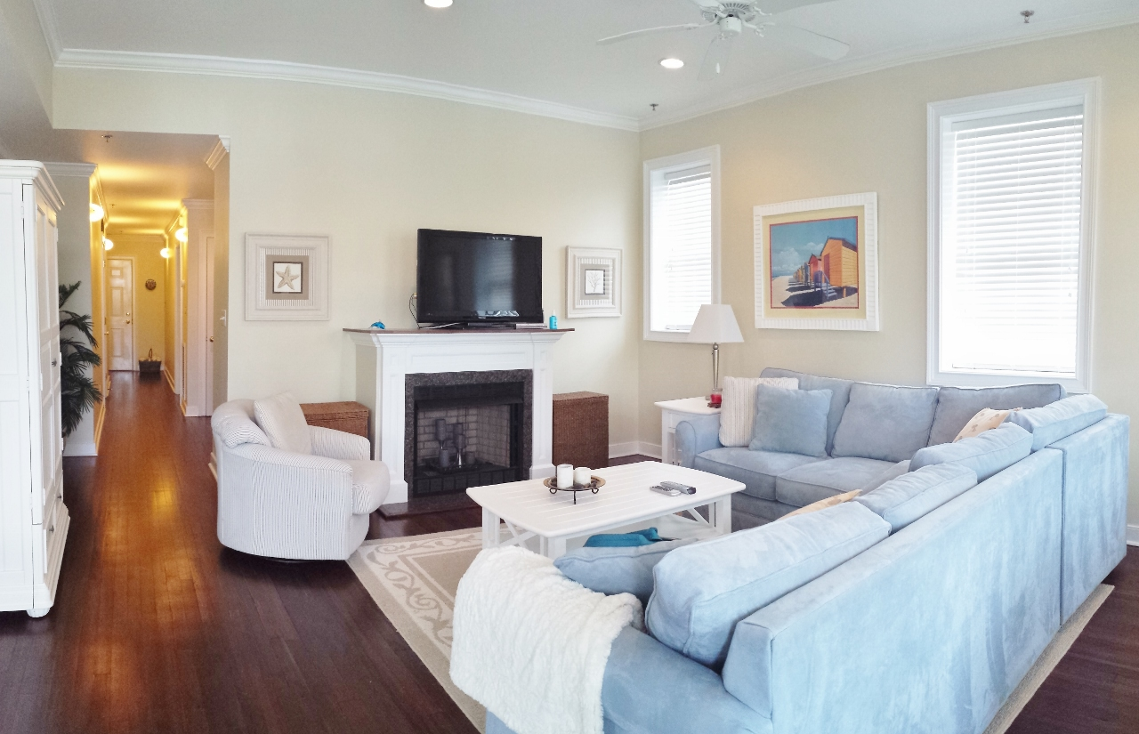 Laughing Gull-PET FRIENDLY Sleeps 6-8 One and one half blocks to Beach