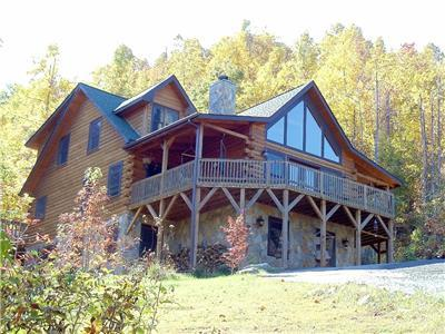 CATAWBA FALLS LODGE  | 5 Bedroom Upscale Mountain Log Home Great Views in Gated Preserve