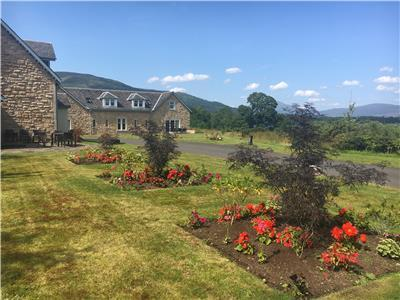 Cameron Club Two Bedroom Auchentullich Cottage L101