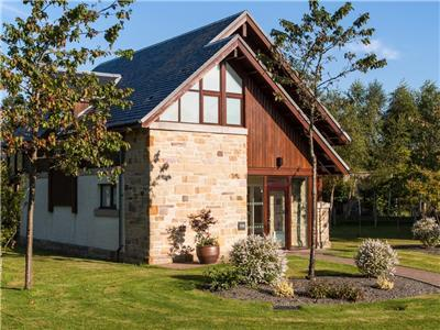 Cameron Club Two Bedroom Detached Lodge L119