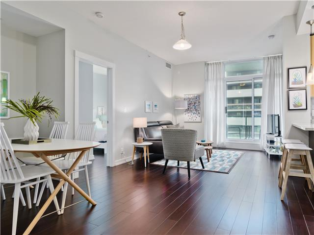 Xenex Two Bedroom Stylish Suite Downtown Calgary
