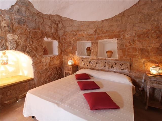 Historic Trullo, Ready for Romance