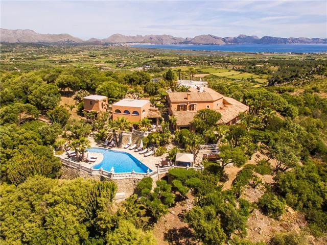 Splendid Villa with Unrivalled Views in Northern Mallorca
