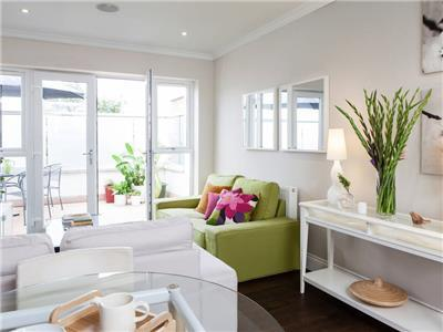 Clapham - 2 Bed Flat with Terrace