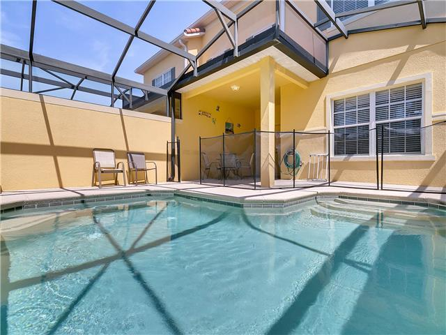 PARADISE PALMS (8976CPR) - 4BR townhome, 1 BR downstairs, south facing, privacy, close to club house