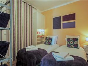 Bedroom 4 (double bed or 2 single)/ No windows