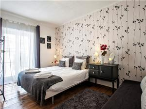 Bedroom 1 (can have double bed or 2 single)