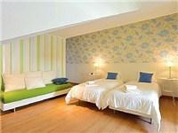 Room 2 (sleep max 5) prepared w/ 2 single beds